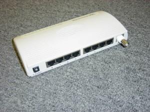 Hub Rj45 e BNC fonte : http://www.connectgear.com
